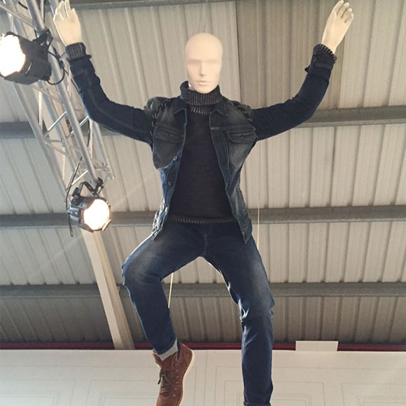 Mannequin Flying - Final Work