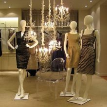 Tips for Creating an Inspiring Store Front Display – The Mannequin Madness Blog